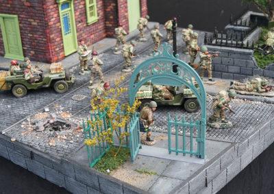 "Diorama of K&C British airborne advancing thru Dutch City of Arnhem from movie ""A Bridge too Far""-18"