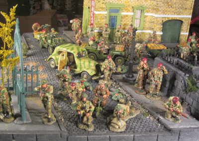 "Diorama of K&C British airborne advancing thru Dutch City of Arnhem from movie ""A Bridge too Far""-7"
