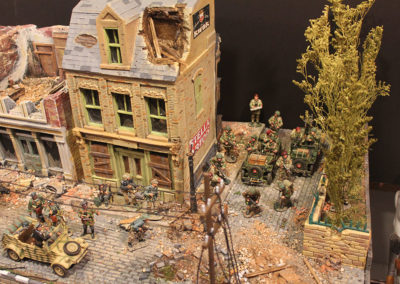 Brit Paras and Panzer troops collide