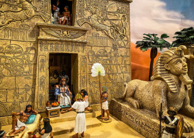 Ancient-Egypt-Diorama-Queen Cleopatra