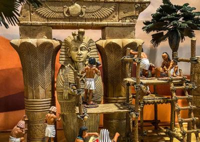 Constructing the new sphinx